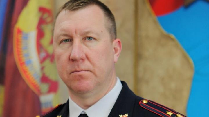 Заставившему полицейских вырезать снежинки Андрею Сицскому направили подмогу из Волгограда