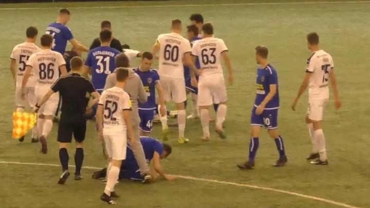 Появилось видео драки футболистов на матче молодежных составов «Крылья Советов» — «Тамбов»