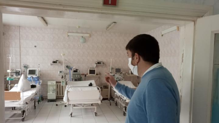 Мэр Златоуста показал, чем лечат больных COVID-19 в эпицентре вспышки