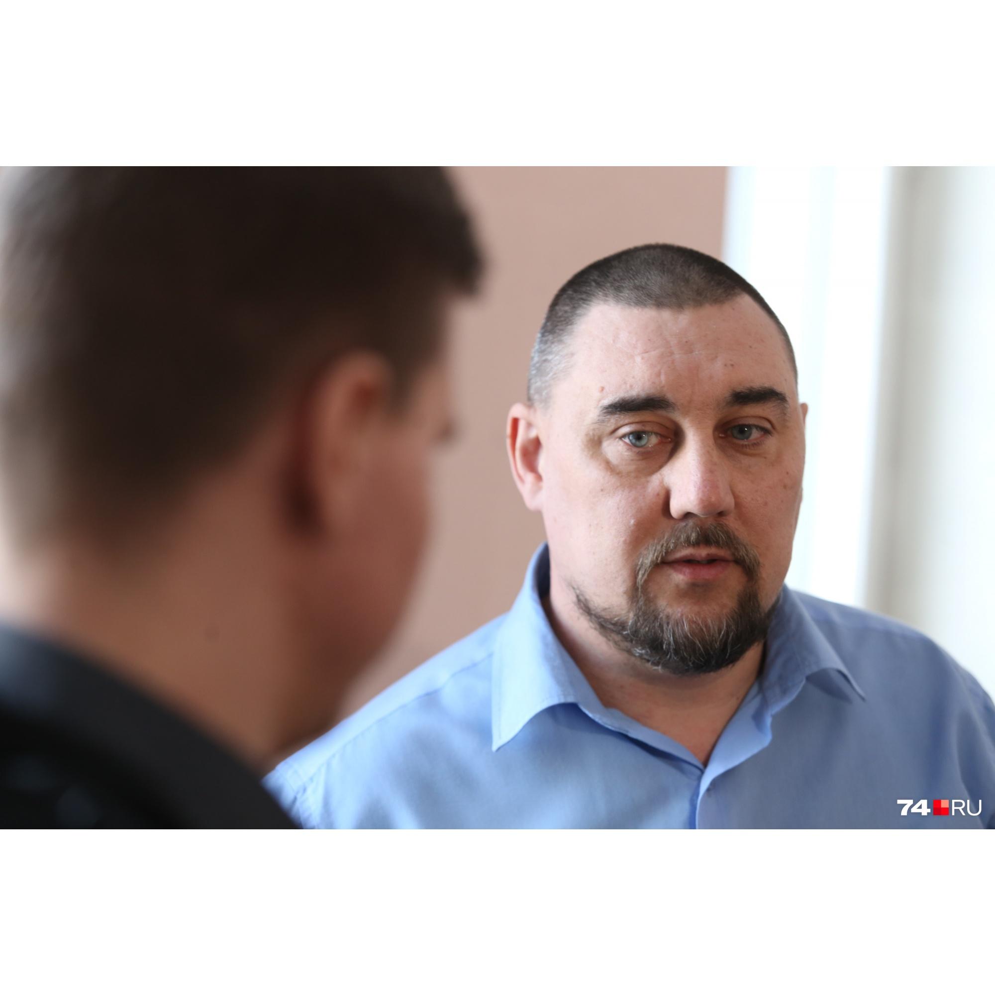 Поддержать Никиту в суде пришёл его отец — Анатолий Лавров