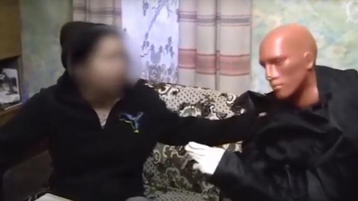 Изрезала ножом учительницу: в Ярославской области осудили серийную преступницу
