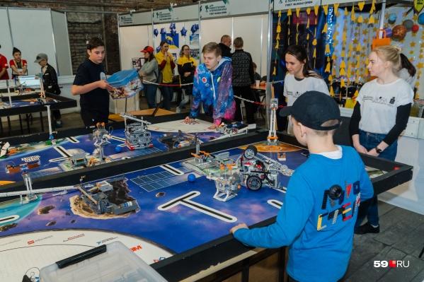 Робототехникой сейчас можно заниматься почти во всех детских центрах