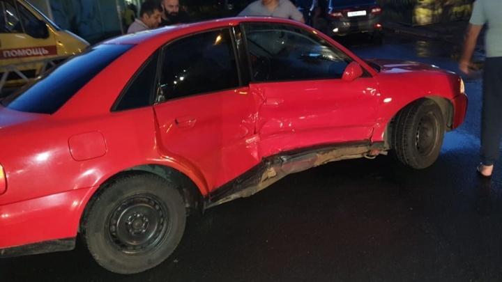 В Ярославле «Хендай» въехал в бок «Ауди»: пострадал человек
