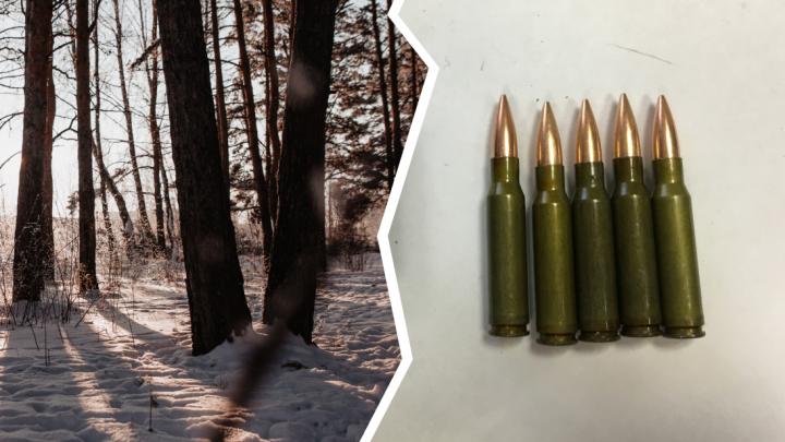 Целился в кабана: тюменский охотник случайно застрелил мужчину