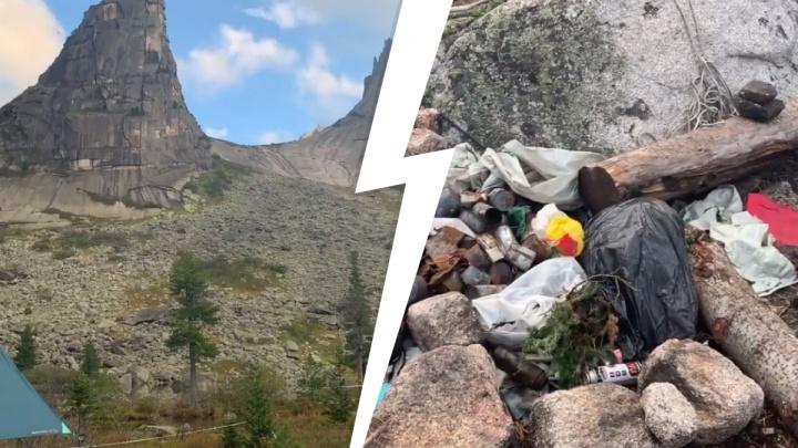 «Они даже шампанское приносили!»: туристы засыпали мусором живописную стоянку в Ергаках