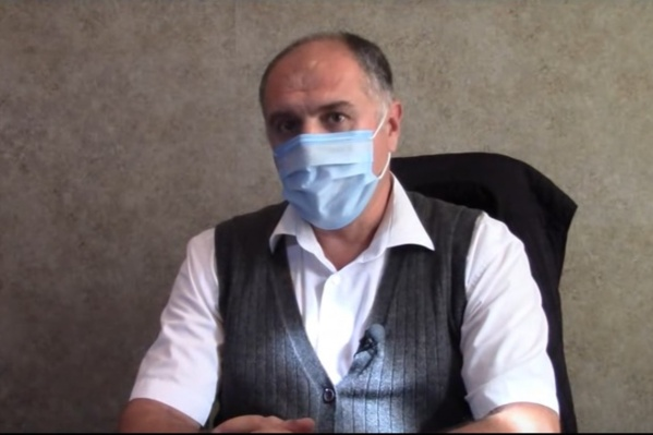 Вадим Бридковский попросил людей следовать элементарным правилам: носить маски, соблюдать дистанцию и избегать людных мест
