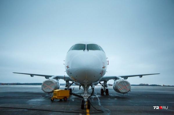 Инцидент с самолетом, летевшим в Тюмень, произошел вечером 1 июня