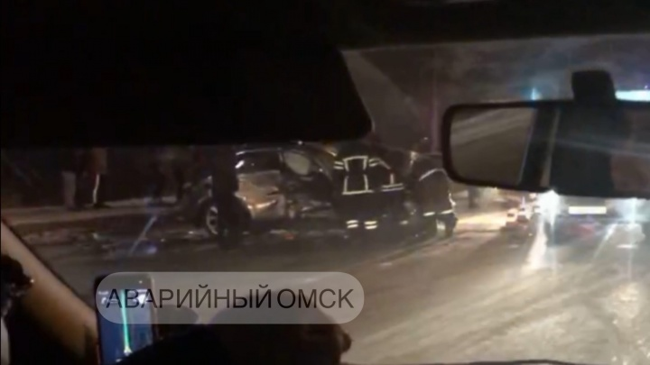 19-летний водитель «Инфинити» устроил аварию на Лукашевича