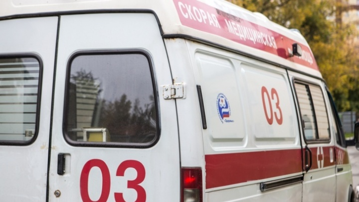 В лобовом ДТП на кузбасской трассе погибла 20-летняя беременная девушка. Еще трое в больнице