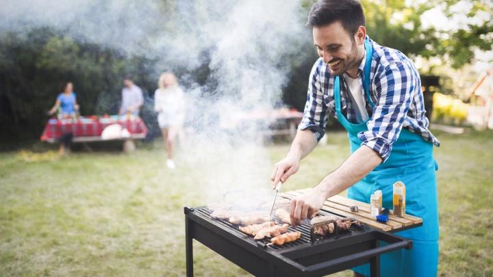 Готовим полноценный обед на природе: список покупок, которые точно пригодятся на пикнике