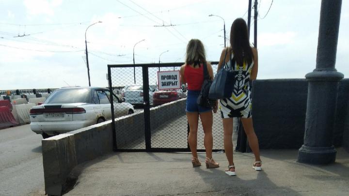 «Это может привести к гибели людей»: Ленинградский мост закрыли от пешеходов как минимум на два года