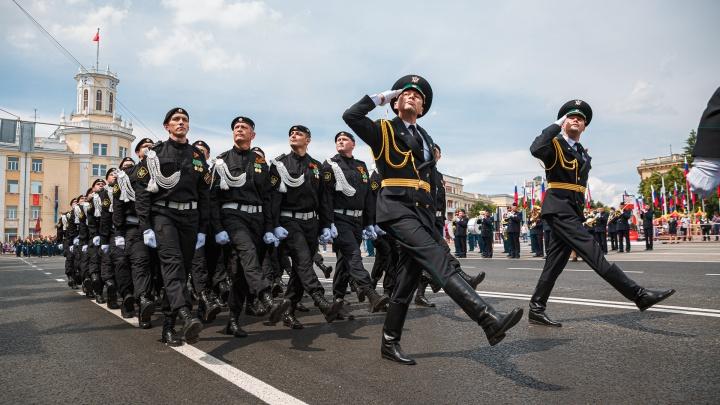 Власти рассказали, когда из-за репетиций парада Победы в Кемерово будут перекрывать площадь Советов