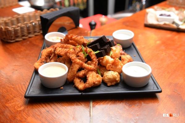 Многие рестораны изменили меню, чтобы оно стало более подходящим для доставки