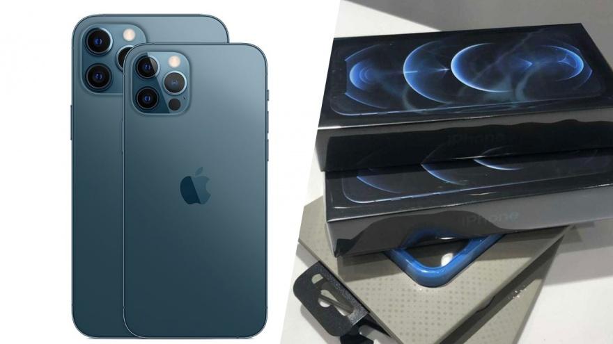 Новосибирцы покупают iPhone 12 — они платят больше ста тысяч за телефон без зарядки и наушников