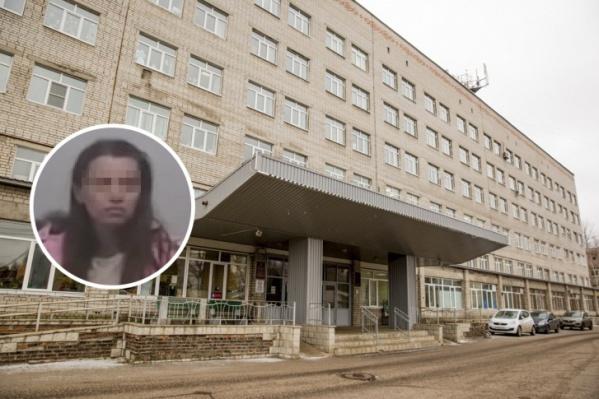 Светлана Белоусова с дочерью две недели жила в подъезде, а потом сбежала из детской больницы