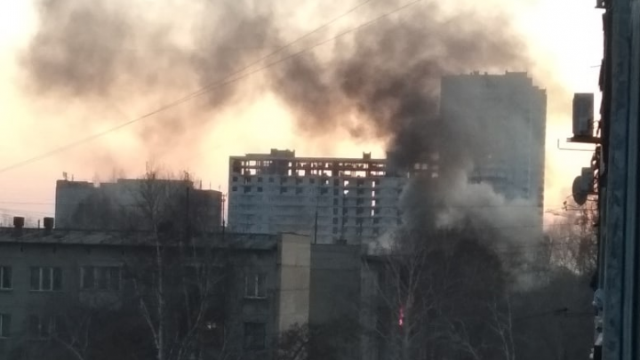 На Юго-Западном жилмассиве загорелась квартира: людей эвакуировали