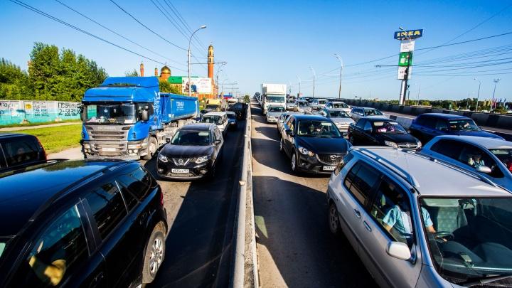 Бегут от жары за город: как новосибирцы провели аномально жаркий день