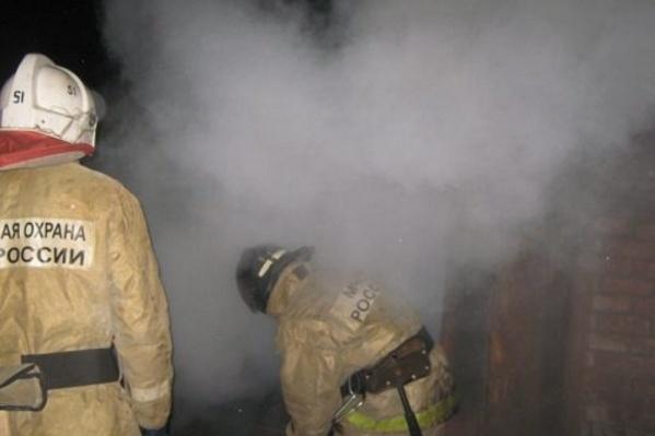 Огонь полыхал на площади 12 кв. м.