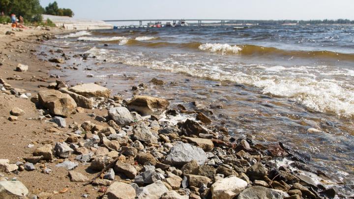 «Развернулся и ушел домой»: в Волгоградской области семилетняя девочка утонула на глазах мужчины