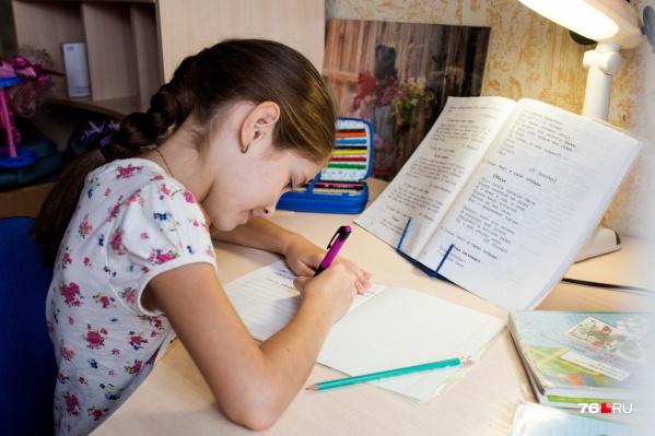 Дети, у которых нет компьютеров, бесплатно получат планшеты для учёбы
