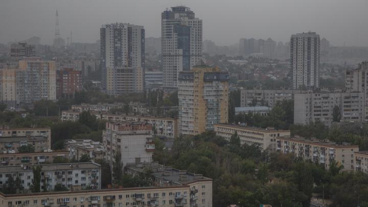МЧС: на Волгоградскую область надвигается сильный шторм с градом и грозовыми ливнями
