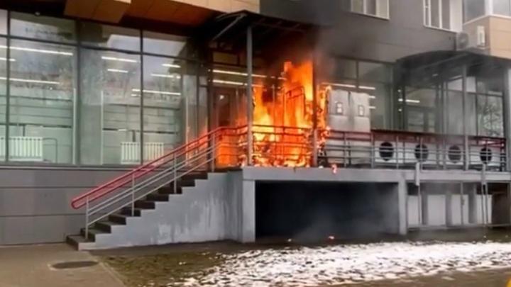 Пожар у популярного супермаркета: поджигатель попал на видео