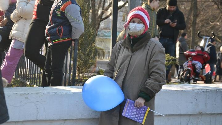Число жителей Ростовской области, которых проверяют на коронавирус, увеличилось в четыре раза
