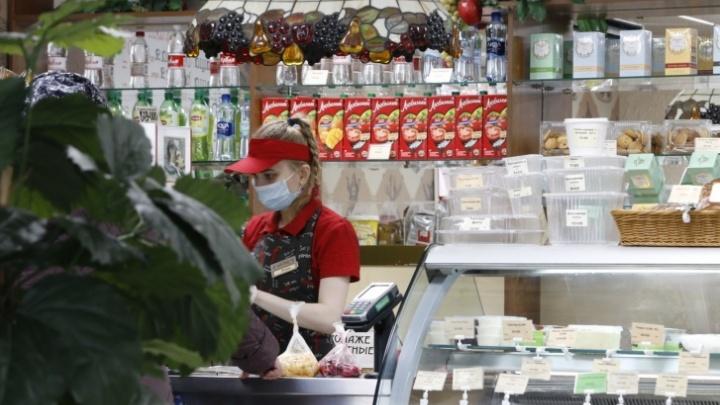 Работу заведений общепита и досуга в Поморье ограничили по времени из-за коронавируса