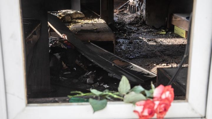 «Покурила и ушла развлекаться»: следователи Волгограда обвиняют 37-летнюю мать в смерти четырехлетнего сына