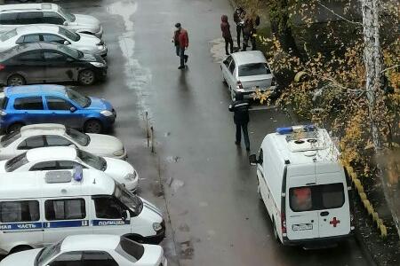 Новосибирец выпал с пятого этажа на Затулинке
