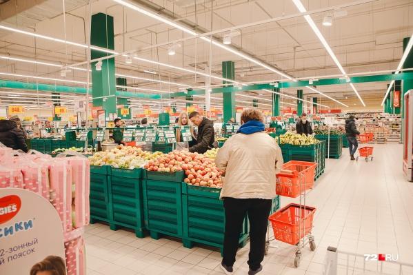 Ограничения, введенные из-за коронавируса, заставили людей меньше покупать