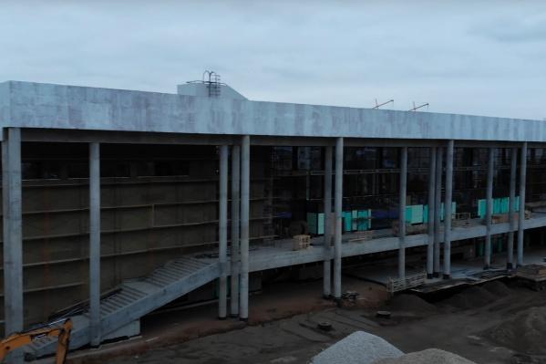 Дворец спорта строят с 2018 года