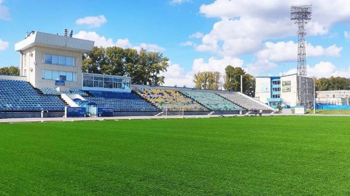 Илья Середюк показал обновлённый стадион «Шахтёр» в Кемерово