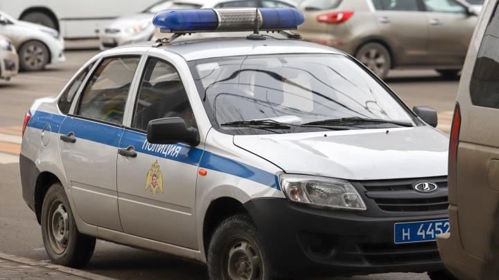 В Шахтах человек с положительным тестом на коронавирус ушел из больницы