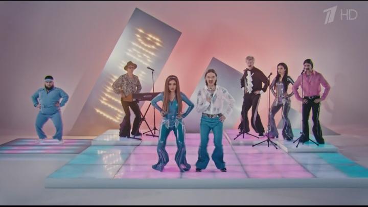 Бразильское диско в брюках клеш: Little Big представила клип на песню, с которой поедет на Евровидение