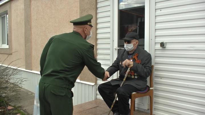 Ходил с «Катюшей» на фашистов: в Самарской области военные приехали с парадом к ветерану