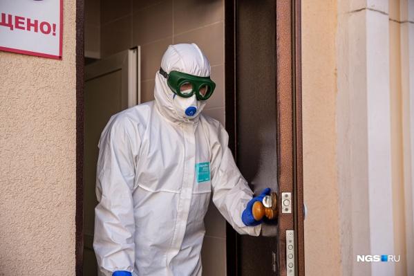 Вход и выход из мельцеровских боксов (специальных помещений для изоляции инфекционных больных) сделан сразу на улицу, чтобы ограничить возможность контактирования
