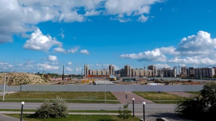 Строителям «Арены Омск» официально разрешили шуметь с 7 часов утра
