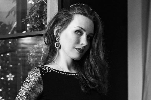 Анна запомнится зрителям и коллегам молодой, талантливой и красивой женщиной
