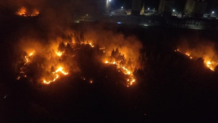 В Зареке сразу после праздничного фейерверка начался пожар