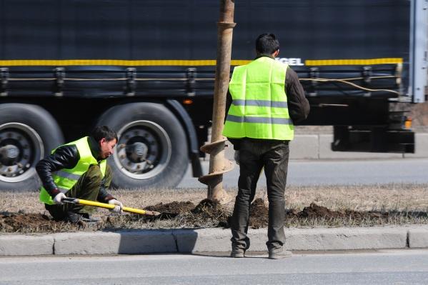 Всего в работе дорожников нашли более 100 нарушений