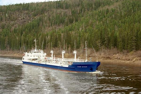 Первые корабли вышли из порта Лесосибирска