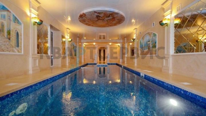 Под Омском за 25 миллионов продают коттедж с видом на Иртыш, бассейном, бильярдной и зимним садом