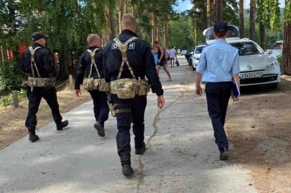 Из-за пожаров вблизи берега Тургояка эвакуированы сотни туристов