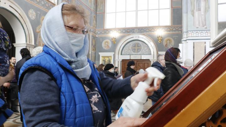 Вербное воскресенье в масках: как в дни самоизоляции верующие отметили праздник в Архангельске. Фото