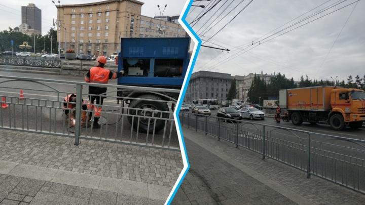 В Новосибирске перед парадом Победы начали заваривать люки на Красном проспекте