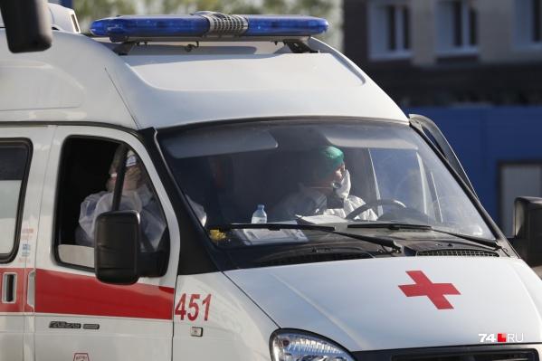 Водитель скорой попал в больницу через три дня после отработанной смены