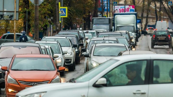 Даже на Гагарина и Полевой: платные парковки сделают на 48улицах Самары