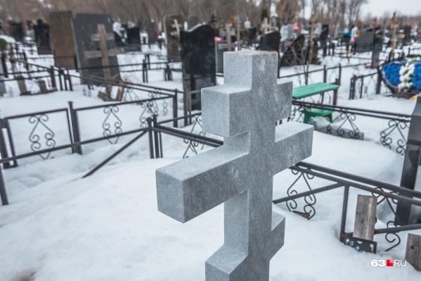 В стоимость услуги входит летнее и зимнее содержание кладбищ