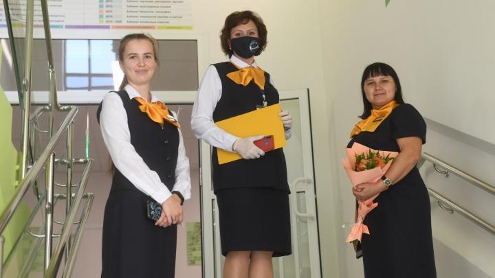 Свердловским педагогам, которые не хотят прививаться, порекомендовали делать ПЦР-тест раз в неделю